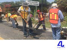 #grupoalsa En Grupo ALSA, damos mantenimiento a carreteras. LA MEJOR CONSTRUCTORA DE VERACRUZ. En México, tenemos aproximadamente 95,000 km de caminos pavimentados y su construcción, data de la década de los años 20. En nuestra constructora, somos especialistas en mantenimiento a carreteras y autopistas. Si está interesado en conocer más sobre nuestros servicios, le invitamos a llamarnos al 01(229)9234670.  www.grupoalsa.com.mx