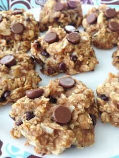 Healthy Peanut Butter Oatmeal Cookies - Snack or Dessert no eggs, no oil, no flour & no added sugar. but still yummy! even good for breakfast on the go! Just Desserts, Delicious Desserts, Yummy Food, Low Fat Desserts, Healthier Desserts, Delicious Cookies, Diabetic Desserts, Think Food, Love Food