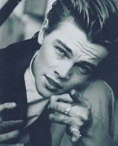 HBD to our fave 90s dreamboat, Leo ❤️