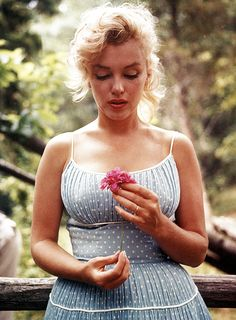 Great photo of Marilyn.