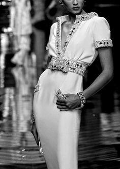 ZsaZsa Bellagio: Valentino Haute Couture, Knows how to dress a LADY! Look Fashion, Fashion Details, High Fashion, Luxury Fashion, Winter Fashion, Couture Fashion, Runway Fashion, Womens Fashion, Fashion 2018