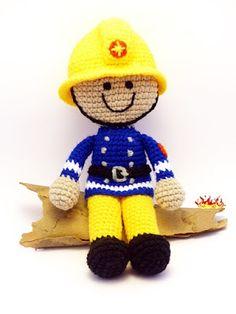 spiky cake: horgolt tűzoltó baba / crochet fireman doll