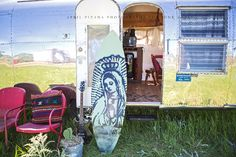 Billie Joe Armstrong's Airstream by the Junk Gypsies /// THE TIME OF YOUR LIFE » Photography by April Pizana #greenday #billiejoearmstrong #junkgypsies #airstream #surfshack
