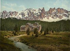 Tirol. Eggental. Karersee-Hotel mit Lattemar.     #Europe #Italia #Italie_Nouveautés