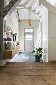 Small Entrance Halls, Mudroom, Hearth, Tiny House, Sweet Home, New Homes, Home And Garden, Mirror, House Styles