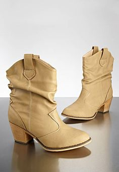 Get these nude short western boots at Versona for only 29.99!