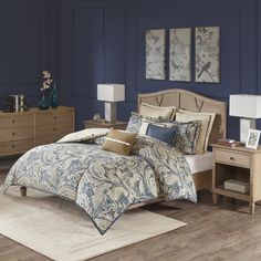 Cool coastal hues give the Hampton Hill Urban Chic Comforter Set a look that's classic, yet casual. The comforter's oversized paisley pattern in energetic blues with a touch of soothing neutrals makes a beautiful bed, paired with its coordinating accents. Boudoir, Bed In A Bag, Space Furniture, Urban Chic, Comforter Sets, Bedroom Comforters, Land Scape, The Hamptons, Outdoor Living
