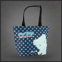 Sac à main original Angel Bear Ours pour femme. Un chouette sac shopping vraiment original avec un ours sur la face avant du sac.