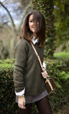 Luźny sweter + biała koszula