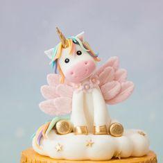54 vind-ik-leuks, 6 reacties - Marcella Ruijgers van Klaveren (@sweetdeluxe_cakes_and_more) op Instagram: 'Little unicorn cake topper #cutie #unicorn #unicorncake'