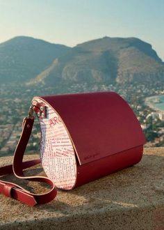 Borsa in eco-pelle ovale ~ Oval eco-leather bag - di Archigiana via it.dawanda.com
