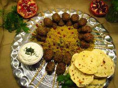 Köfte-Lollipop´s vom Holzkohle-Grill mit Safran-Couscous, Minzjoghurt und Mini-Fladenbrot - Mario´s Fire Food & Fine Food Impressum: http://www.mario-kaps.de/impressum/
