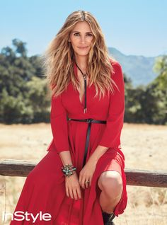 Julia Roberts Opens Up About Raising Teenagers, Overcoming Grief, and That Hair Julia Roberts Blonde, Cheveux Julia Roberts, Richard Gere, Film Thriller, Audrey Hepburn, Celebs, Celebrities, Beautiful Actresses, Pretty Woman