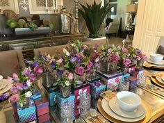 #floraldesign #flowercouture #flowercreation #vintagegiftboxes #purpleroses #elegantdining