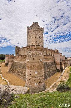 Spain Travel Inspiration - Castillo de La Mota ,  by  Medina del Campo, Castilla y León, España ARD