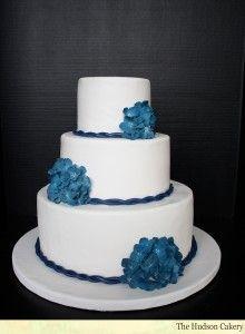 Simple & elegant blue hydrangea wedding cake