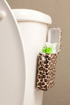 Tbox Tampon Holder cute idea if we get our own bathroom or share one with neighbors My First Apartment, Apartment Living, Apartment Hacks, Dorm Bathroom, Bathrooms, Dorm Decorations, Bathroom Inspiration, Organization Hacks, My Room