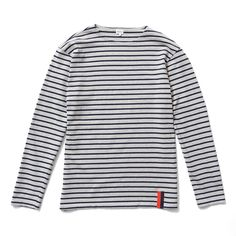 One can't ignore history when it comes to classic striped tops, and so The Boyfriend bases its design in the styles worn most by Picasso and Brigitte Bardot. A drop shoulder and roomy, almost smock-like body give this piece a relaxed quality, while the slightly narrow sleeve brings a bit more of the lady back into the boyfriend cut. Made from perfectly comfortable 100% cotton knit jersey.
