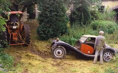Bugatti Type 55.  Dovaz Collection being relocated - Cahors Auto Retro