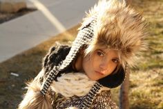 Winter Wear, Winter Hats, Faux Fur Vests, Mittens, Canada, Fashion, Cold Winter Outfits, Fingerless Mitts, Moda