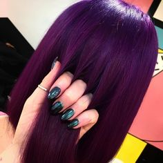 Besondere Haare Haare und lila Bild Proven Products Combatting Hair Loss for Men and Women Nowadays Dark Purple Hair, Plum Hair, Hair Color Purple, Cool Hair Color, Violet Hair Colors, Love Hair, Gorgeous Hair, Dream Hair, Grunge Hair