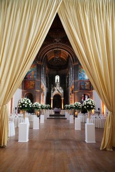 Wedding and Floral Event Styling from Planet Flowers: Leah & Páidí - Mansfield Traquair: