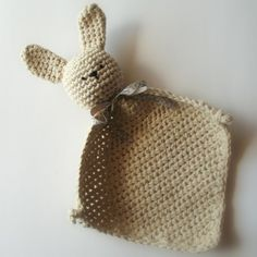 eclectic me: little bunny blanket >> cute handmade for a baby shower