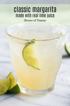 Easiest recipe ever! This crisp and refreshing Classic Margarita is made with fresh lime juice and a blend of tequila and triple sec. This skinny version of the classic margarita is sure to become your new favorite cocktail! Agave Margarita Recipe, Classic Margarita Recipe, Margarita Mix, Margarita Recipes, On The Border Margarita Recipe, Tequila Recipe, Jalapeno Margarita, Margarita Cocktail, Pico De Gallo