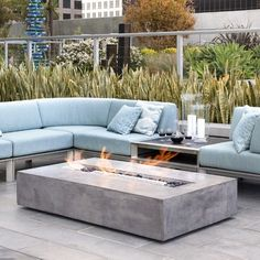 19 Impressive Outdoor Fire Pit Design Ideas For More Attractive Backyard Garden Fire Pit, Fire Pit Backyard, Outdoor Gas Fire Pit, Outdoor Fire Table, Natural Gas Fire Pit, Natural Gas Water Heater, Outside Fire Pits, Propane Fire Pit Table, Fire Pit Furniture
