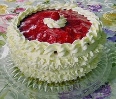 Authentic German recipe: Irresistible German Raspberry Yogurt Cake #germanrecipes