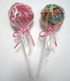Hair bow lollipops. These would make for cute party favors.