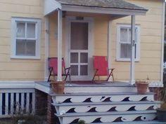 Wavy porch