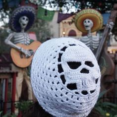 Modern Skull beanie by LAsquared on Etsy. What an awesome crochet beanie, perfect for Halloween!