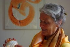 """'Céramistes Hollandais' Met o.a. Art en France kunstenaar Nirdosh Petra van Heesbeen, van 12 avril t/m 9 juli bij de """"Association de Potiers et Créateurs de Puisaye"""", Le Couvent, 89520 Treigny. Opening van de expositie op 12 april om 17.00 uur. Presentatie van de film 'Tout Feu Tout Grès' op zondag 13 april om 15.00 uur. De film, gemaakt door Nirdosh Petra van Heesbeen en Herman Lochtenberg vertelt de geschiedenis van de beroemde Franse kleisoort grès."""