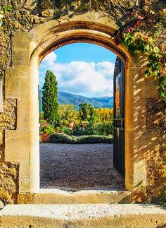 Château de Lourmarin, Provence