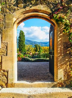 provencetoujours:  An open door of the château de Lourmarin