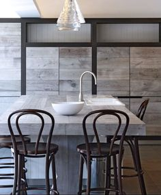 Durable and classic - 27 gray kitchen - Comfortable home