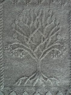Free knitting pattern - Tree pattern by Ariel Barton