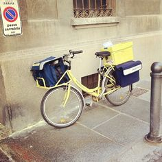 The postman in Parma - Instagram by @moscerina
