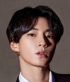 Hwang In Yeob (황인엽); Hwang In Yeob is an actor under KeyEast Entertainment, made his debut as a fashion model in 2017 and started acting in Cute Asian Guys, Asian Love, Cute Guys, Handsome Korean Actors, Handsome Boys, Korean People, Kim Jisoo, Kdrama Actors, Beauty Secrets