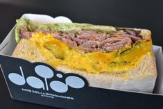 Doughnut Bun, Asian Recipes, Ethnic Recipes, Bread Bun, Looks Yummy, Kyoto Japan, Hamburger, Sandwiches, Food And Drink