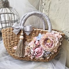 Best 12 Flower garden store Breath Garden * kiko & # s diary * image Unique Purses, Unique Bags, Flower Bag, Straw Handbags, Boho Bags, Basket Bag, Crochet Handbags, Ribbon Embroidery, Handmade Bags