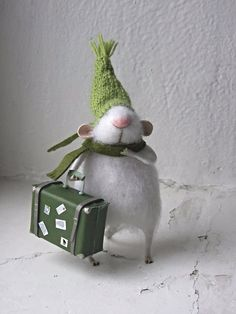 Little fluffy mouse.white felted mouse by mousestories Needle Felted Animals, Felt Animals, Needle Felting, Mouse Crafts, Felt Crafts, Diy Crafts, Needle Felted Ornaments, Felt Ornaments, Felt Christmas
