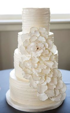 Wedding cake idea; Featured Photographer: Jenny Martell Photography