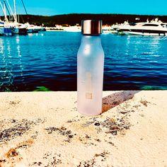 Schönes Wochenende #kreativquadrat #kroatien #wasserflasche #werbung #sonne #meer #yacht #hafen #wochenende Water Bottle, Drinks, Design, Have A Good Weekend, Croatia, Sun, Advertising, Nice Asses, Drinking