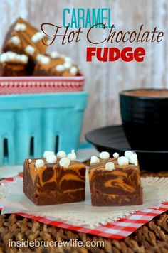 Caramel Hot Chocolate Fudge - hot chocolate fudge layered with caramel fudge and topped with mini marshmallow bits #fudge #hotchocolate @brucrewlife