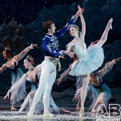Snow Pas from Atlanta Ballet's Nutcracker featuring Claire Stallman and Jonah Hooper! #NutcrackerATL