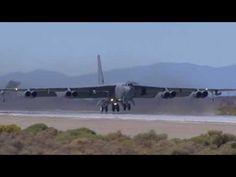 B-52 STRATOFORTRESS Takoff (Friday Practice) - Test Flight Nation 2009