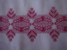 Resultado de imagem para eu amo vagonite Swedish Embroidery, Embroidery Art, Embroidery Patterns, Stitch Patterns, Crochet Patterns, Huck Towels, Swedish Weaving Patterns, Monks Cloth, Running Stitch