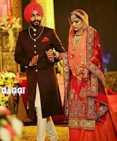 Punjabi Wedding Couple, Punjabi Couple, Sikh Wedding, Wedding Pics, Latest Bridal Dresses, Indian Bridal Outfits, Indian Bridal Lehenga, Sikh Bride, Punjabi Bride